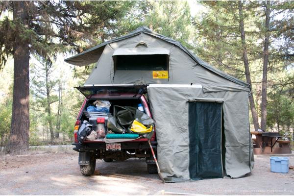 8e4bb2699e1 Dormir sobre el coche: tiendas de techo para viajes frugales ...