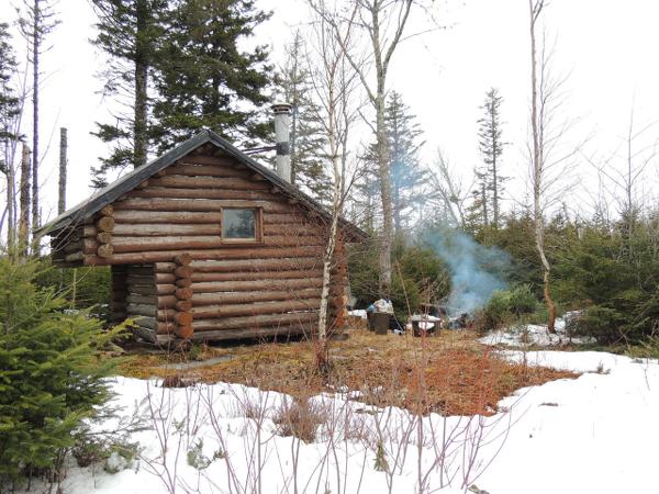 Caba as humildes renace la aspiraci n a la - Cabanas de madera en la nieve ...